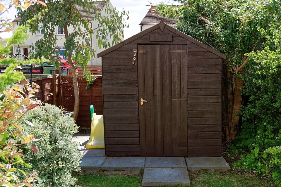 How to prevent insects from entering your shed during winter